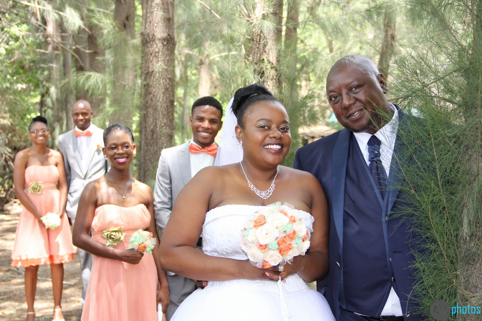 Mr and mrs ndlovus wedding day at the nesbitt castle their photographer had a field day capturing moments from their special day and sharing them with us their decor was elegantly done to suit the couples junglespirit Gallery